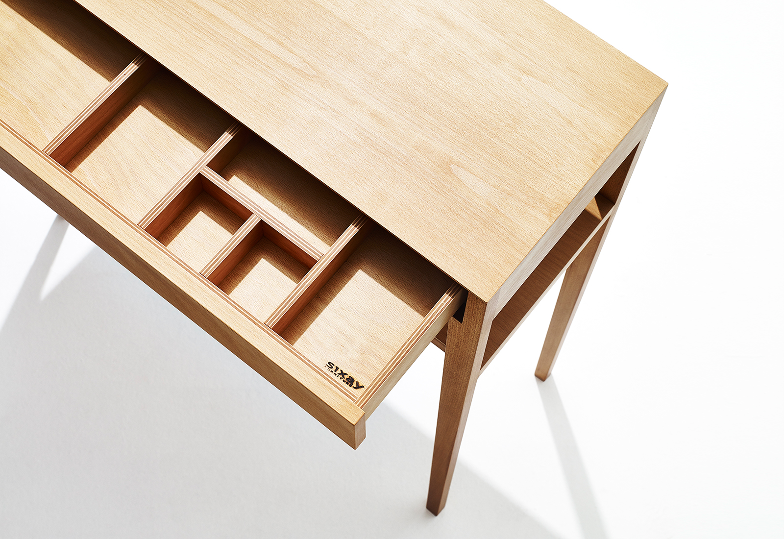 THEO UP console table