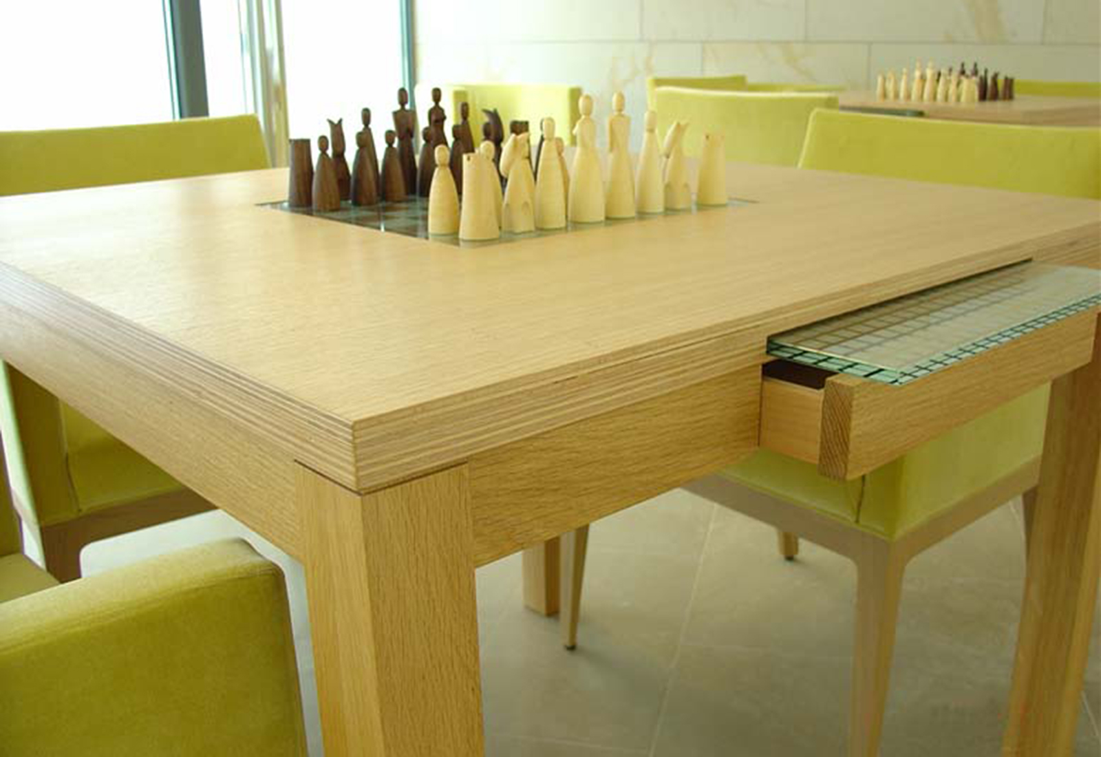 SOLID game table / LUDO