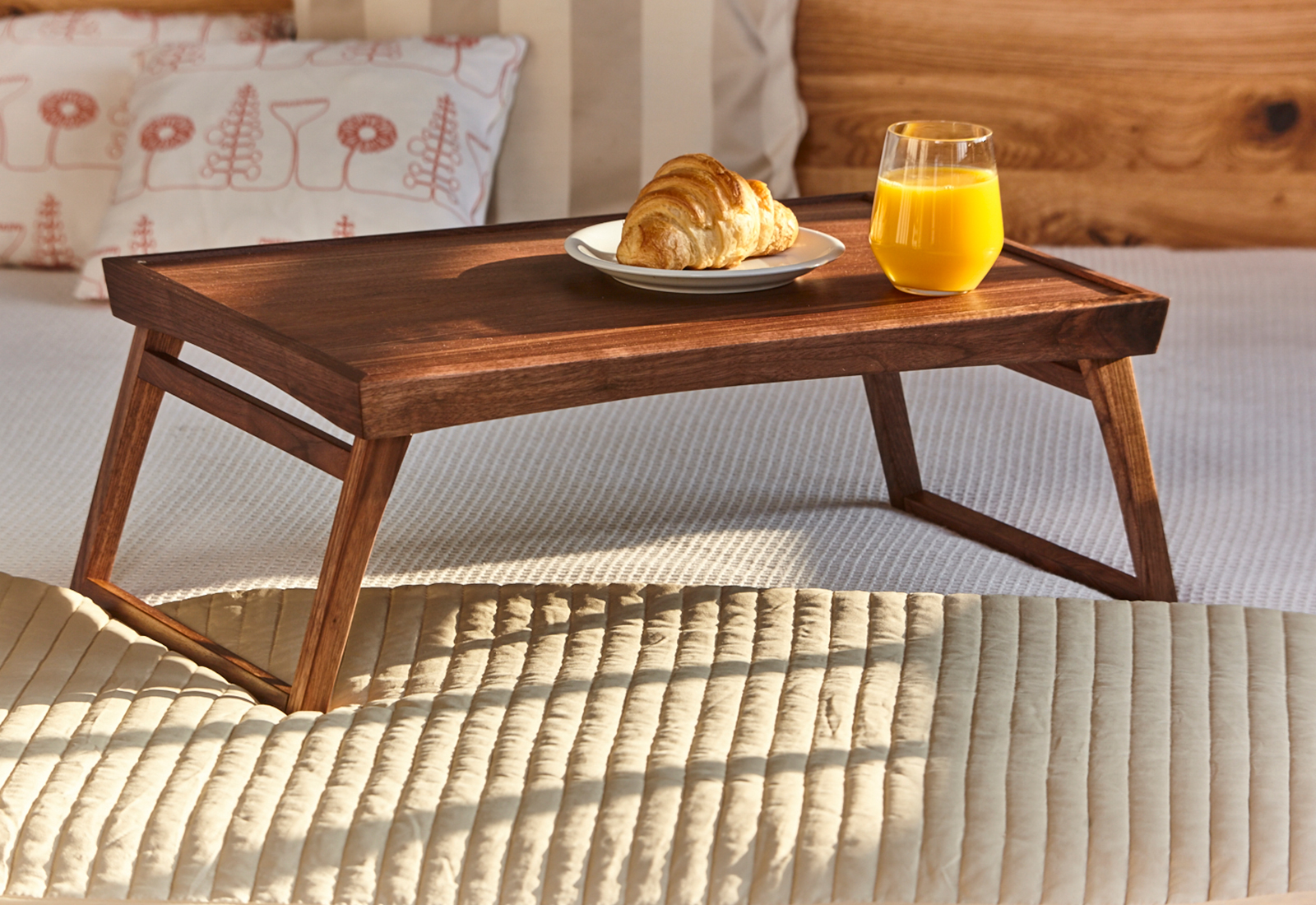 DÉSIRÉE bed tray table