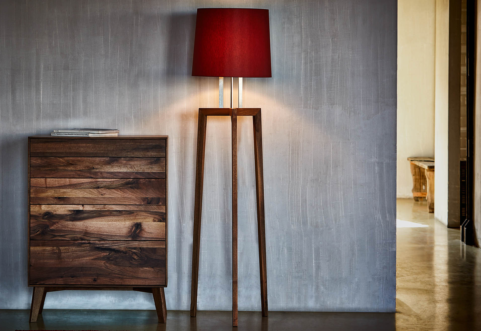 dreibeinige stehlampe dreibeinige stehlampe fiby mit. Black Bedroom Furniture Sets. Home Design Ideas